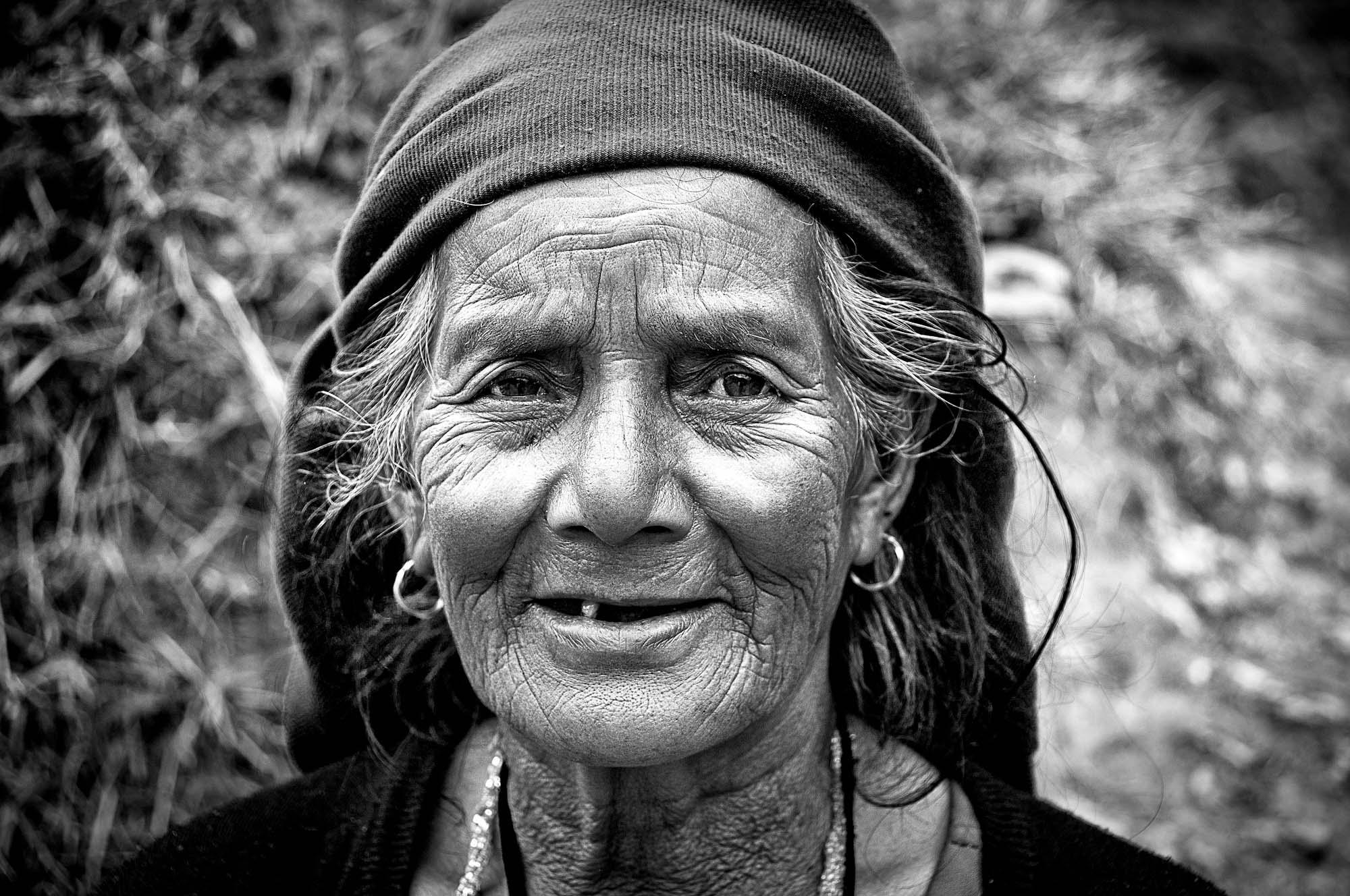 old woman images - usseek.com